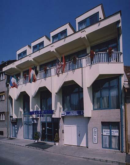 Hotel Uno***